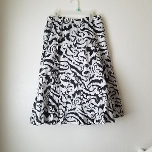 Metro Wear Black and white A-line flowy skirt